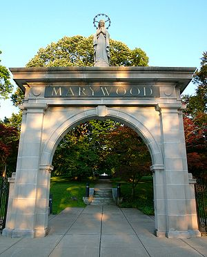 The Memorial Arch, built in 1902, originally h...